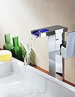 Moderní Umyvadlo na desku Vodopád with  Keramický ventil S jedním otvorem Single Handle jeden otvor for  Pochromovaný , Koupelna