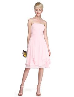 A-vonalú Hercegnő Pánt nélküli Térdig érő Sifon Koszorúslány ruha val vel Cakkos Ráncolt által LAN TING BRIDE®