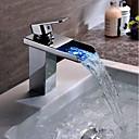 abordables Grifos de Lavabo-grifo del lavabo del baño - cascada / recipiente de cromo que cambia de color sola manija un orificio / latón led