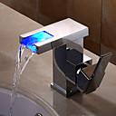abordables Grifos de Lavabo-Baño grifo del fregadero - Cascada / Separado / Nuevo diseño Cromo Colocado en la Pared Sola manija Un agujero