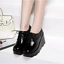 povoljno Ženske sandale-Žene Mekana koža Ljeto Udobne cipele Oksfordice Wedge Heel Okrugli Toe Crn / Bijela