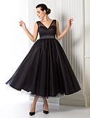 preiswerte Abendkleider-A-Linie V-Ausschnitt Tee-Länge Tüll Cocktailparty / Abiball / Formeller Abend Kleid mit Schärpe / Band durch TS Couture®