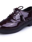 olcso Divatos övek-Női Cipő Lakkbőr Ősz Kényelmes Félcipők Lapos Kerek orrú Rojt Fekete / Burgundi vörös