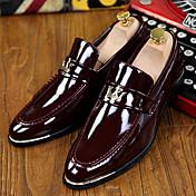 Hombre Zapatos Cuero Patentado Primavera Verano Otoño Invierno Confort Innovador Zapatos formales Zapatos de taco bajo y Slip-On Borla