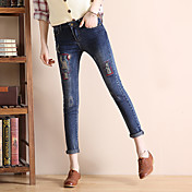 ストレッチジーンズ女性のズボンタイトな鉛筆のズボンスキニーパンツ目立つ穴の2017韓国語版に署名