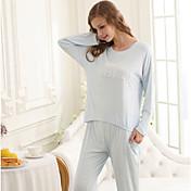 女性のパジャマの女の子のスタイル.純粋なコットン.ツーピースの服装.パジャマ