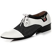 Hombre Zapatos PU microfibra sintético Semicuero PU Primavera Otoño Confort Oxfords Con Cordón Para Casual Negro Negro/blanco
