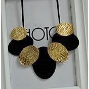 女性の声明のネックレス楕円形の革合金オーバルジュエリーパーティー毎日