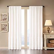 Et panel Window Treatment Moderne , Ensfarget Stue Bomull Materiale gardiner gardiner Hjem Dekor For Vindu