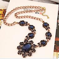 Dámské Prohlášení Náhrdelníky Křišťál Flower Shape Slunečnice Syntetické drahé kameny Slitina Módní Šperky Pro Párty Zvláštní