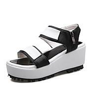 baratos Sapatos de Tamanho Pequeno-Mulheres Sapatos Couro Ecológico Verão Creepers / Conforto Sandálias Caminhada Salto Plataforma Dedo Aberto Presilha Preto / Prata