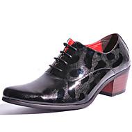baratos Sapatos de Tamanho Pequeno-Homens Sapatos formais Couro Envernizado Primavera / Outono Oxfords Dourado / Preto / Festas & Noite / Sapatas de novidade