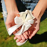 Fleurs de mariage Forme libre Roses Lis Boutonnières Mariage La Fête / soirée Satin Soie