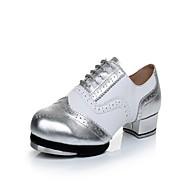 baratos Sapatilhas de Dança-Homens Sapatilhas de Sapateado Pele Salto / Têni Recortes Salto Baixo Sapatos de Dança Black / azul / Vermelho / Branco / Branco / Prata / Ensaio / Prática