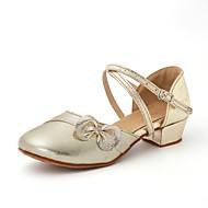 billige Moderne sko-Barns Dansesko Syntetisk Mikrofiber PU / Kunstlær Flate / Sandaler Kubansk hæl Dansesko Gull / Sølv