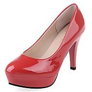 billige -Dame Høye hæler Lette såler Vår Høst PU Avslappet Formell Stiletthæl Hvit Svart Rød Mandel 5 - 7 cm