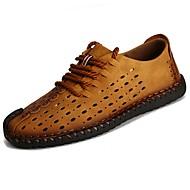 Miehet kengät Synteettinen mikrokuitu PU Kesä Comfort Sandaalit varten Kausaliteetti Musta Keltainen Khaki