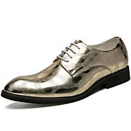 tanie Obuwie męskie-Męskie Buty Skóra patentowa Wiosna Jesień Comfort Oksfordki na Casual Impreza / bankiet Gold Black