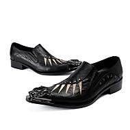 baratos Sapatos Masculinos-Homens Sapatos formais Pele Primavera / Outono Inovador / Sapatos formais Oxfords Caminhada Preto / Sapatas de novidade