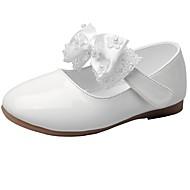 baratos Sapatos de Menina-Para Meninas Sapatos Courino Primavera & Outono Conforto / Sapatos para Daminhas de Honra Rasos Laço / Colchete para Infantil Branco /