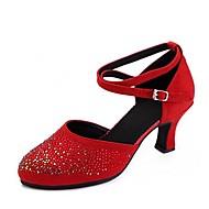 billige Kustomiserte dansesko-Dame Moderne sko Mikrofiber Sandaler Krystalldetaljer Kubansk hæl Kan spesialtilpasses Dansesko Svart / Rød
