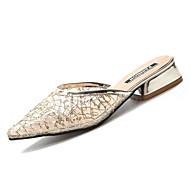 Χαμηλού Κόστους Γυναικεία Τσόκαρα & Μιουλ-Γυναικεία Παπούτσια PU Καλοκαίρι Ανατομικό Σαμπό & Mules Κοντόχοντρο Τακούνι Μυτερή Μύτη Χρυσό / Ασημί / Πάρτι & Βραδινή Έξοδος