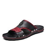 baratos Sapatos Masculinos-Homens Pele Napa Verão Conforto Chinelos e flip-flops Branco / Preto / Preto / Vermelho