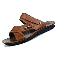 baratos Sapatos Masculinos-Homens Pele Napa Verão Conforto Sandálias Preto / Marron / Khaki