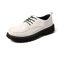 baratos Sapatos Masculinos-Homens Couro Envernizado Outono Conforto Oxfords Branco / Preto / Vinho