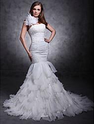 Trompette / Sirène Une Epaule Traîne Tribunal Organza Satin Robe de mariée avec Billes Appliques Fleur par LAN TING BRIDE®