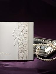abordables -delicado encaje marfil corte tríptico invitación de la boda-conjunto de 50/20