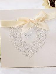 Top Foldning Bryllupsinvitationer-Invitationskort Klassisk Stil Blomsterstil Perle-papir 6*6 tommer (ca. 15*15cm)
