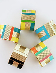 Bracelet manchette en alliage de style Européen (la livraison de couleur aléatoire)