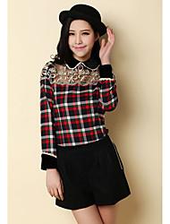 INNA Frauen Red Cut Out Lace Spleißen Puppe Neck Check Shirt