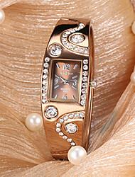 Недорогие -Женские Модные часы Кварцевый сплав Группа Блестящие / Кольцеобразный Бронза бренд-
