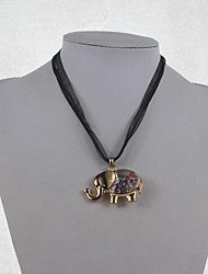 Fashion Alloy/Rhinestone/Glass Necklace Animal Pendant Necklaces Daily/Casual
