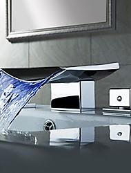 abordables -Contemporain Montage mural LED Cascade with  Soupape en laiton Deux poignées trois trous for  Chrome , Robinet lavabo