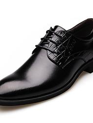 Masculino sapatos Couro Primavera Verão Outono Inverno Sapatos formais Oxfords Cadarço Para Casamento Festas & Noite Preto Marron