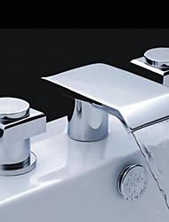 economico -Moderno A 3 fori Cascata with  Valvola in ottone Tre Due maniglie Tre fori for  Cromo , Lavandino rubinetto del bagno