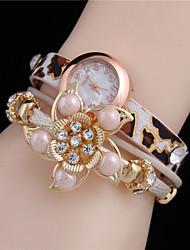 Жен. Модные часы Часы-браслет Кварцевый Кожа Группа Цветы Леопард Жемчуг Элегантные часы Черный Белый Фиолетовый Желтый Бежевый