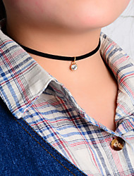 Femme Pendentif de collier Tattoo Choker Cristal Tissu Tatouage Simple Style Européen Noir Bijoux Pour Soirée Quotidien Décontracté 1pc