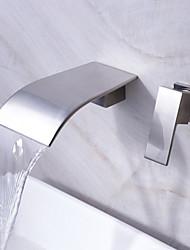 abordables -baño grifo del fregadero cascada generalizada grifo de diseño contemporáneo (acabado de níquel)