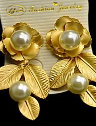 economico -Da donna Orecchini a bottone Di tendenza Europeo Perla Lega A forma di fiore Gioielli Per Quotidiano Casual
