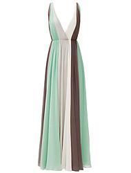 A-Linie V-Ausschnitt Boden-Länge Chiffon Formeller Abend Kleid mit Plissee durch Shang Shang Xi