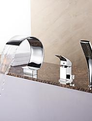 Недорогие -Смеситель для ванны - Современный Хром Римская ванна Керамический клапан Bath Shower Mixer Taps / Латунь / Одной ручкой три отверстия