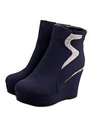 Недорогие -Жен. Обувь Полиуретан Зима Армейские ботинки Удобная обувь Ботинки Для прогулок Платформа Круглый носок Молнии для Повседневные Черный