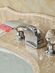 economico -Art déco/Retrò A 3 fori Cascata Con LED with  Valvola in ceramica Tre Due maniglie Tre fori for  Cromo , Lavandino rubinetto del bagno