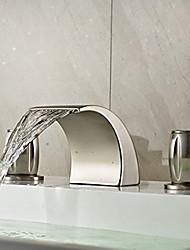Недорогие -арт-деко / ретро широко распространенный водопад керамический клапан две ручки три отверстия никелированная, смеситель для раковины ванной комнаты смесители для ванны
