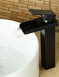 Недорогие -Смеситель для раковины в ванной комнате - предварительное ополаскивание / водопад / широко распространенное масло-бронза, центральная часть, одинарная ручка, два отверстия, смесители для ванны