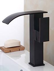 Contemporaneo Art déco/Retrò Modern Installazione centrale Cascata Ampio spray Flessibile with  Valvola in ceramica Una manopola Due fori